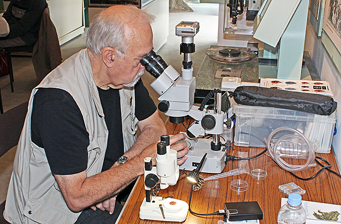 Paul Smith and his microscopes