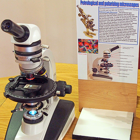 Petrological microscope