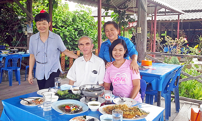 """Year of the Rabbit"" restaurant near Ratchaburi"