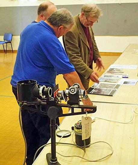 Jeremy Poole showing his SEM images