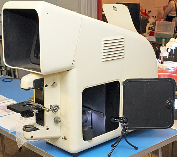 Flatters and Garnett microprojector