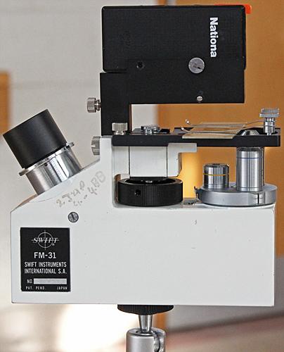 Swift FM-31 portable microscope