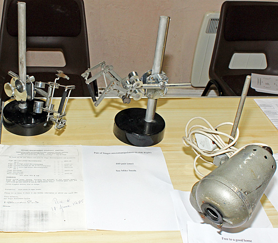 Singer micromanipulators