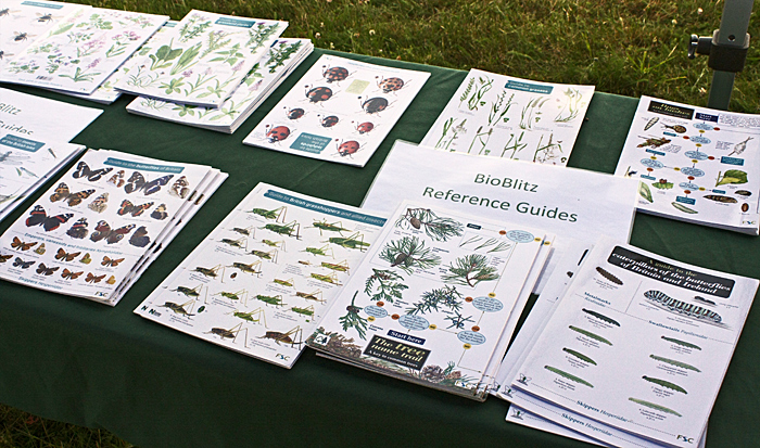 Identification charts from Field Studies Council