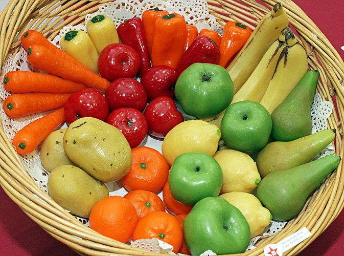 Beeswax fruit and vegetables