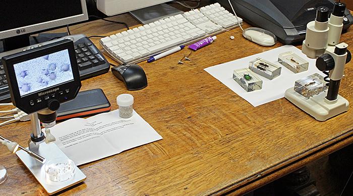 Digital microscope and small stereomicroscope