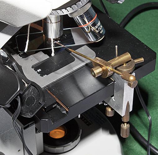 Micromanipulator on Zeiss Standard