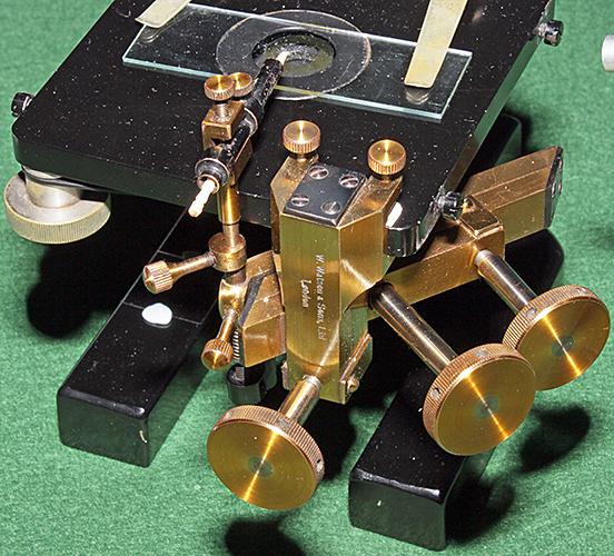 Watson micromanipulator